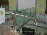 鋼鉄ポストのステンレス鋼のガラス手すりの手すり