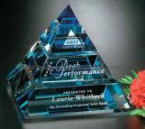 Trofeo cristalino de la pirámide