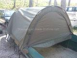 販売のためのテントが付いている軍隊の緑の漁船