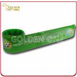 Os desenhos animados feitos sob encomenda os mais baratos bracelete impresso gravado do silicone do logotipo