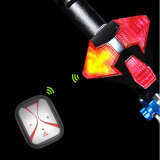 Transformers USB recargable Ciclismo Bicicleta inteligente inalámbrico de luz trasera de control remoto con altavoz LED de señal de vuelta de luz de la cola