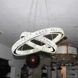 Deux modernes lustre en cristal de luxe rond, lumière de pendant d'hôtel