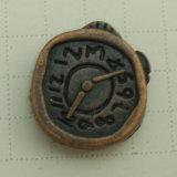 Disegni differenti che placcano i ribattini d'ottone antichi dei tasti del metallo