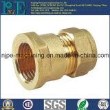 Junta de tubo roscada latón del CNC de la aduana del surtidor de China que trabaja a máquina