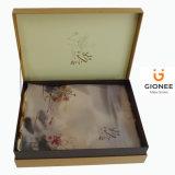 Rectángulos de regalo de empaquetado de papel delicados con satén