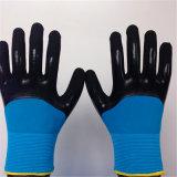 Deux gants de couche avec 3/4 enduit de nitriles de Sandy