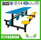 学校の酒保の机4のシートのダイニングテーブル
