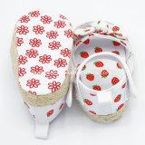 Zapatos infantiles de la lona suave para los bebés