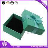Коробка подарка картона одеяния Bowknot тесемки упаковывая