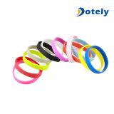Wristbands di incandescenza del Rainbow dei braccialetti della gomma di silicone