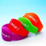 Wristband compatibile del chip NFC del silicone Ntag213 di NDEF WaterPark