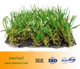 Ajardinando a grama artificial com alta qualidade