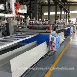 Tarjeta de anuncio hecha espuma del PVC que hace la máquina