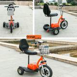 """Bateria de lítio que dobra o mini """"trotinette"""" elétrico da mobilidade para o adulto"""