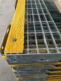 Pisadas de escalera Grating del Técnico-Tamiz T6 con el amarillo Nosings abrasivo de la seguridad para los pasos de progresión