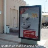 LED che fa pubblicità ai media esterni che fanno scorrere la visualizzazione della casella chiara
