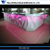 商業領域のCorianの上のレストラン棒をつける現代ダイヤモンドの形RGB LED