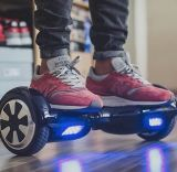 "Presente do Natal de Kingwheel auto do falcão de um Hoverboard Io de 6.5 polegadas ""trotinette"" de equilíbrio do mini"