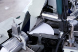 Eiscreme-Kegel-Hülse, die Maschine bildet
