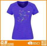 Camisa apropriada dos esportes T da forma das mulheres