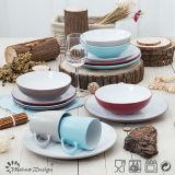 Ciotola di ceramica in pieno lustrata differente di colore