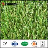 Estera artificial sintetizada natural de la hierba del PPE del jardín al aire libre para la venta