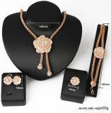 Diamant Exaggerated de mode réglée de 4 bijou d'or nuptiale accessoires de robe de partie
