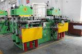 Dubbele het Vulcaniseren van het Silicone van Posten RubberdieMachine voor Armband Keychain in China wordt gemaakt