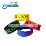 Non dare mai in su i Wristbands del silicone, braccialetti di gomma Emettere luce-in--Scuri