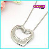 Crear el collar pendiente del corazón para requisitos particulares quebrado del esmalte para la joyería de los amigos