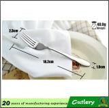 Fourchette en céramique de couteau de bifteck d'acier inoxydable de poignée