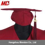 Le gland marron adulte de robe de chapeau de graduation vendent en gros bon marché pour l'université