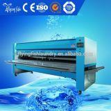Dépliant de blanchisserie, machine se pliante de feuille de matériel de blanchisserie, dépliant industriel