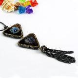 方法宝石類はPauaのシェルのアワビの宝石用原石のペンダントのネックレスを魅了する