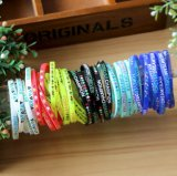 Selon votre nom fait sur commande, le bracelet de silicones est sur le bracelet de silicones