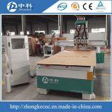 Router em mudança do CNC das cabeças dos cortadores quatro do cilindro