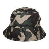 Cappello militare in bianco su ordinazione della benna di Camo