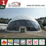 tenda della cupola geodetica del diametro di 40m con i portelli di vetro per la mostra