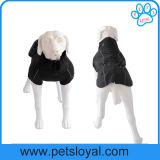 贅沢なペットアクセサリ媒体および大きいペット衣服犬のコート