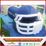 大きく青く膨脹可能なヘルメットのトンネル