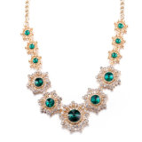 Стекло способа облицовывает ожерелье сплава цвета золота с ювелирными изделиями цветка