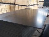 Madeira compensada Shuttering enfrentada do Poplar película preta Phenolic para a construção (12X1250X2500mm)