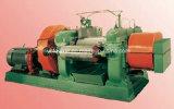 Gummi-überschüssiger Reifen, der Maschine aufbereitet
