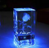 2016 a forma 3D gira a flor de cristal de Rosa do cubo