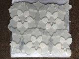 高品質の花デザインWaterjet大理石の混合されたガラスモザイクBacksplashのタイル