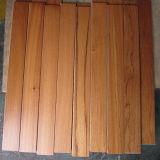 Suelo de madera dirigido de la nuez negra natural