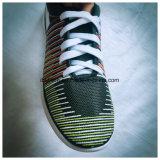 De Schoenen van de sport met het Heldere Bovenleer van Kleuren