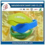 Бумажные устранимые дети отслеживая медицинский браслет Bluetooth с удостоверением личности звонящего по телефону