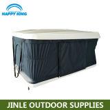 屋外のキャンプのための開いた自動車の屋根の上のテントは絶食する