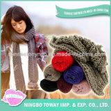 Long polyester de l'hiver de prix bas tricotant les écharpes bon marché